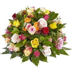 Rouwarrangement gemengde rozen, graftoef, grafstuk, afscheidsbloemen