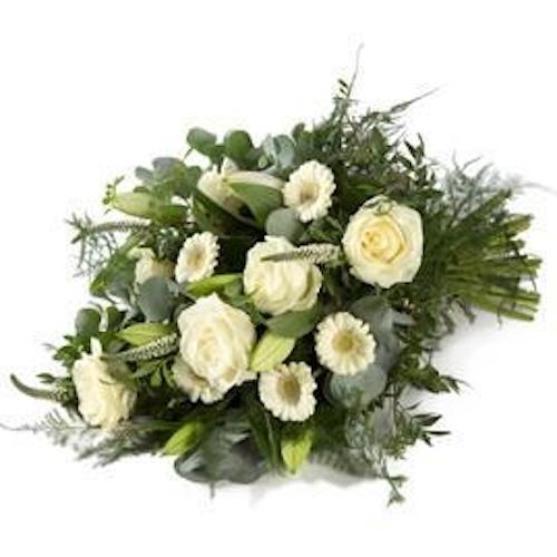 Een stijlvol wit rouwboeket