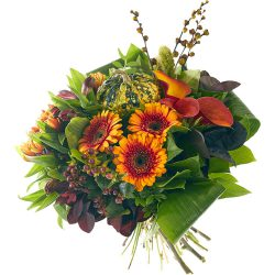 Enjoy the autumn with this warm autumn bouquet