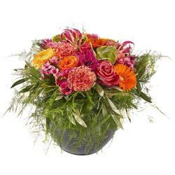 Vrolijk en kleurrijk bloemstuk, bloemdecoratie