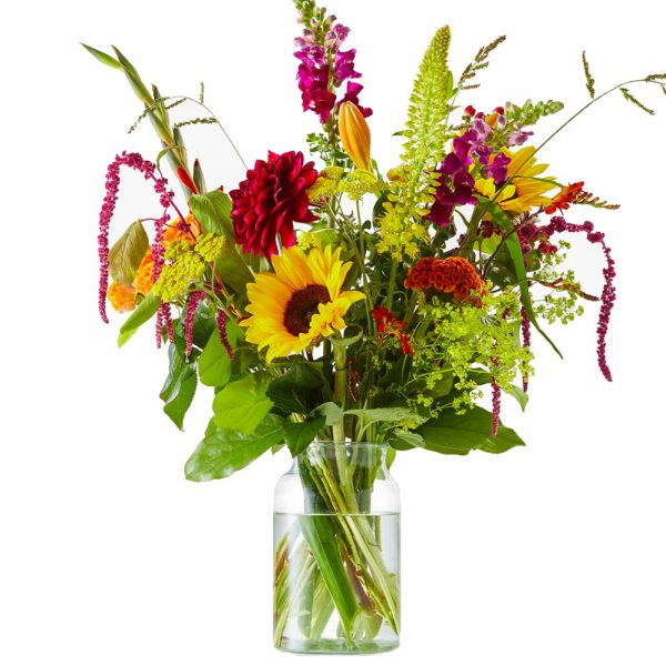 Sunny summerbouquet with sunflowers