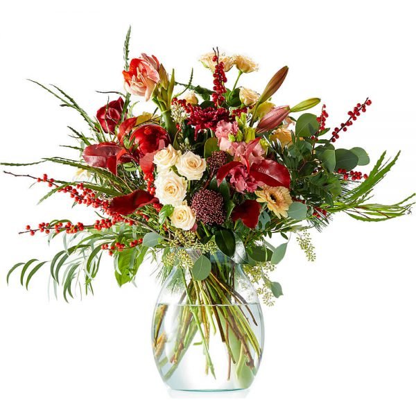 Cheerful red Christmas bouquet