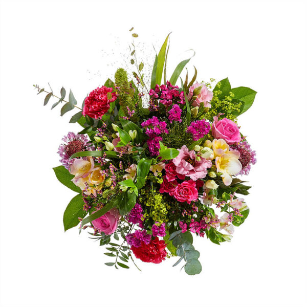 Pink bouquet arranged in a vase | Including chocolate